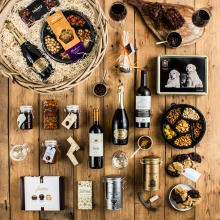Our Luxurious Log Basket Corporate Hamper
