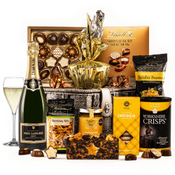 The Gold Star Hamper with Champagne