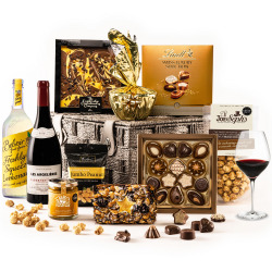 The Simply Delicious Hamper with Red Wine & Pressé