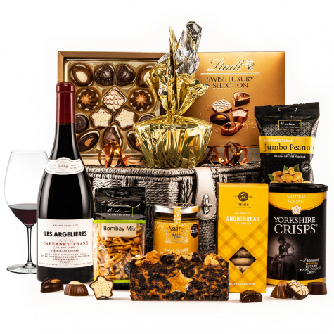 The Gold Star Hamper with Red Wine