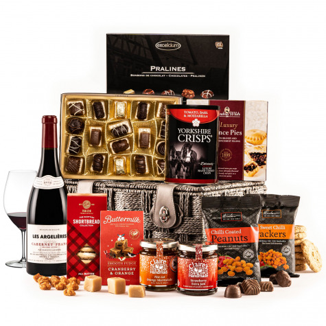 The Fireside Feast Hamper with Red Wine